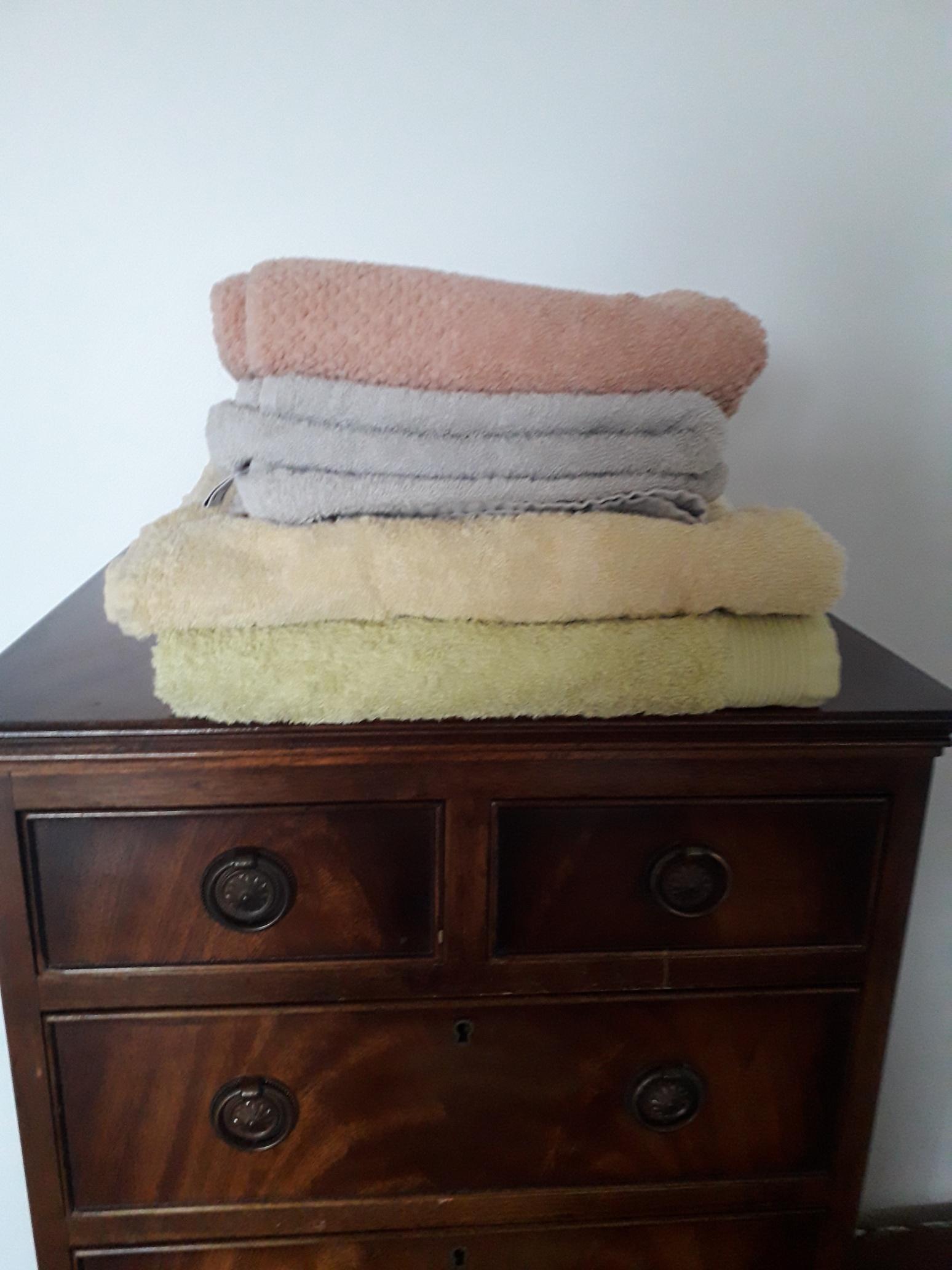 troc de troc serviettes de toilette et de bain, unis, en très bon état image 0