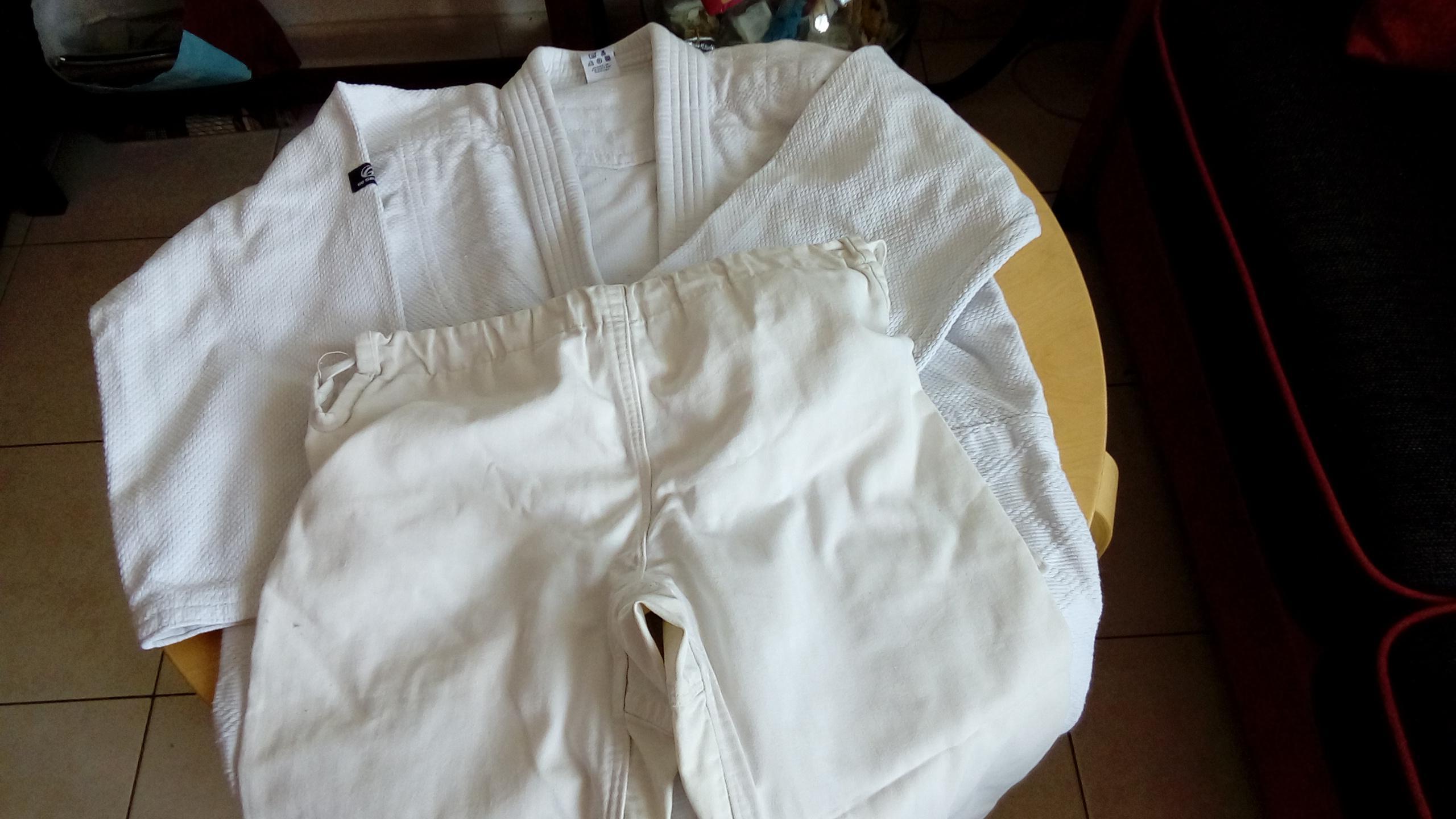 troc de troc veste de kimono 160 + pantalon image 0